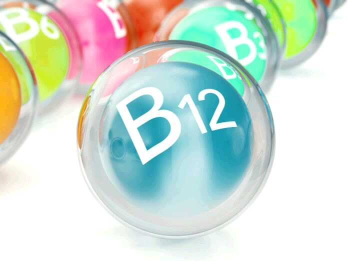 vitamin B12 deficiency and hair loss